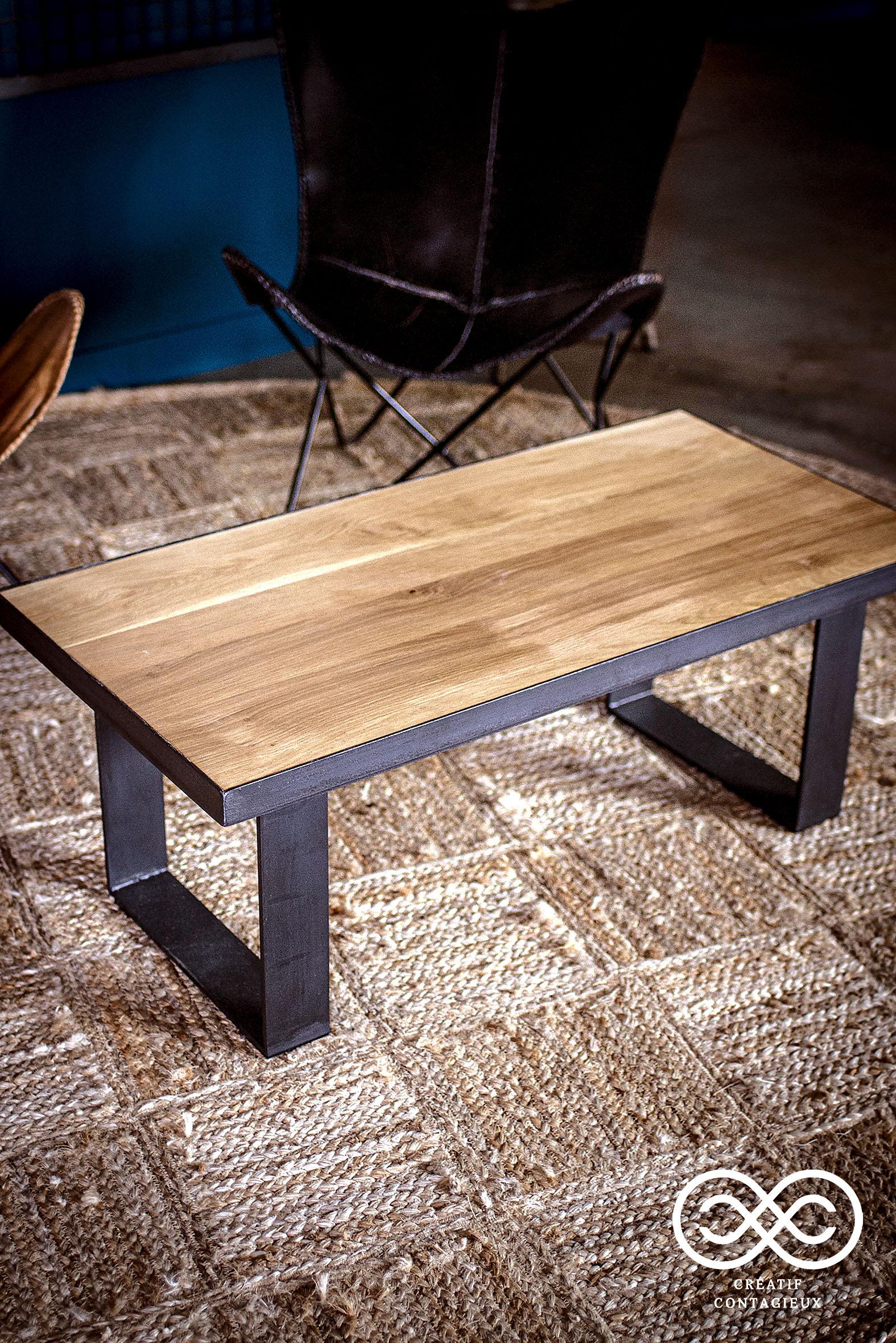 Table basse avec cadre metal