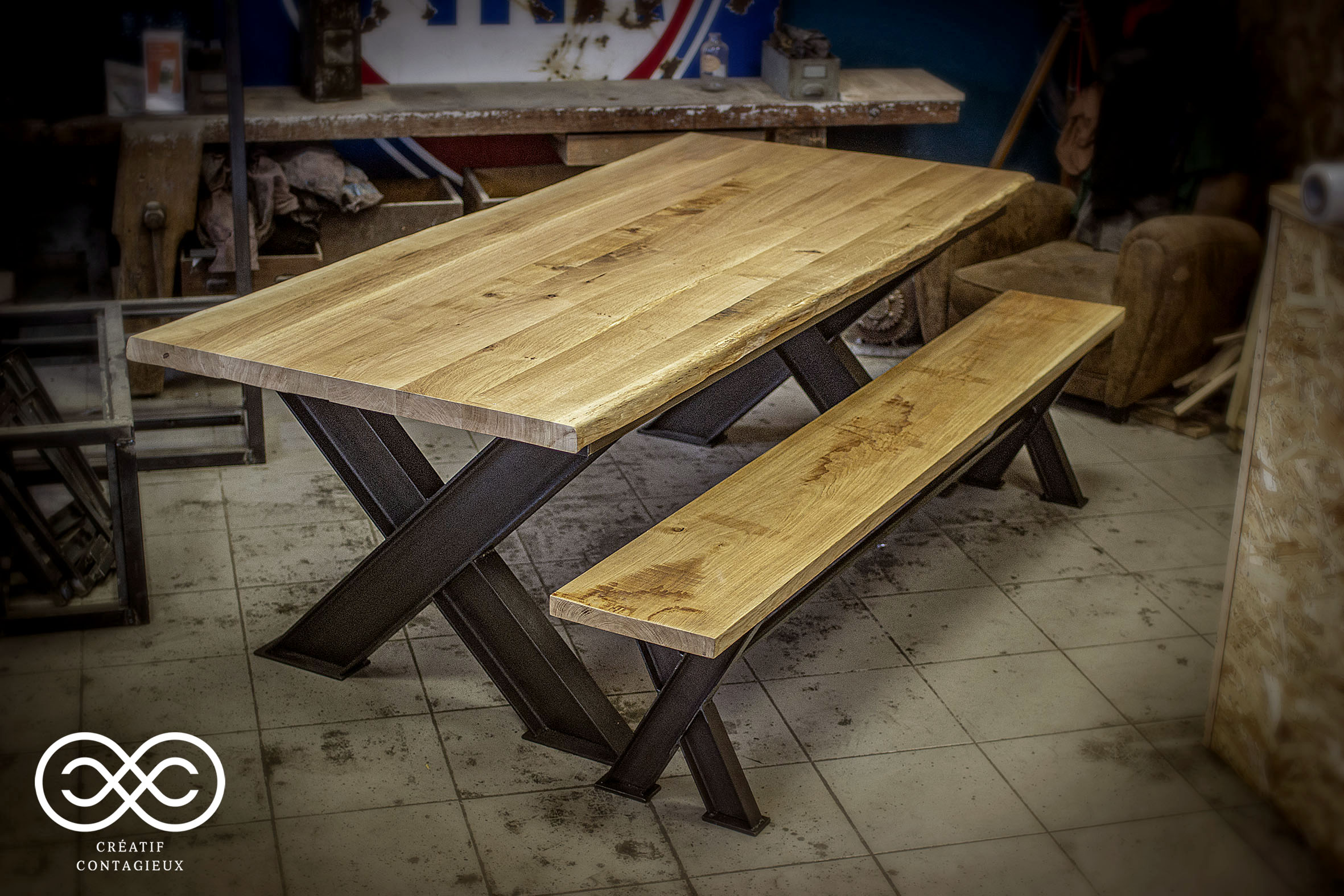 TABLE IPN ET BANC ASSORTI