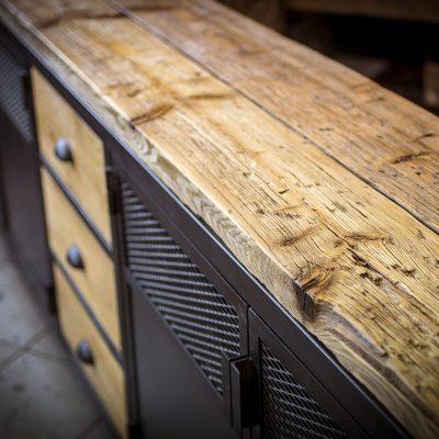 Buffet plancher de wagon