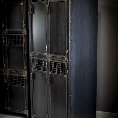 Vestiaires 4 portes Métal sur mesure salle de fitness