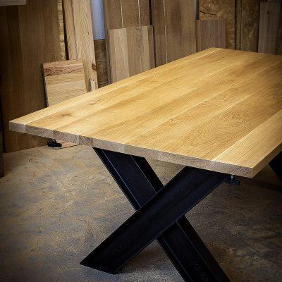 Table industrielle à rallonges
