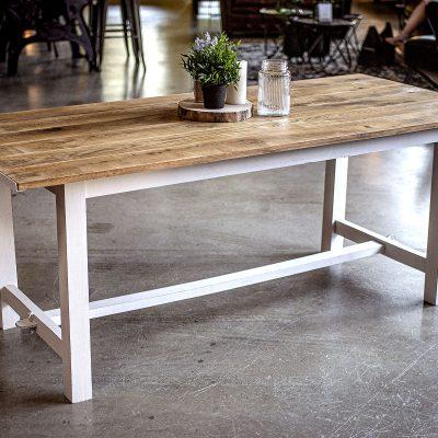 TABLE DE MONASTERE